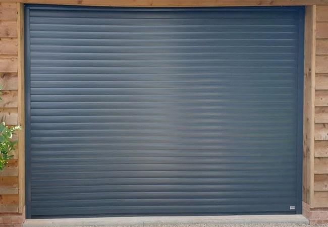 гаражні ролетні ворота в Харкові фото